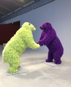 """Arken Kunstmuseum. """"Dyr i kunsten"""" Paola Pivis isbjørne"""