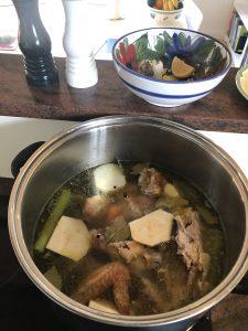 Bone broth. Nærende suppe.
